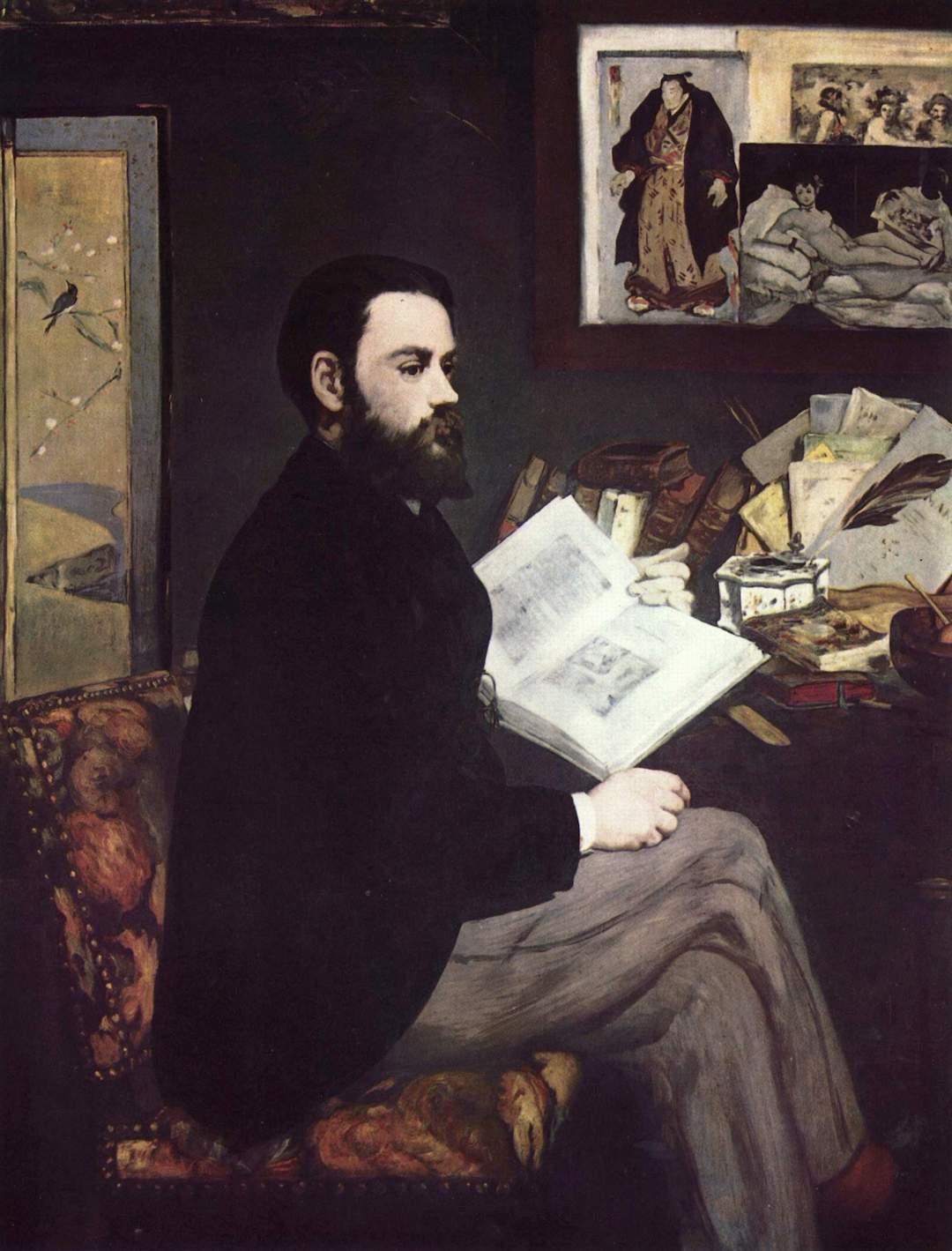 """Édouard Manet portraitierte seinen Freund Émile Zola 1868 vor dessen Schreibtisch. Links ein japanischer Paravent, rechts im Hintergrund unter anderem ein japanischer Holzschnitt und eine Kopie des Gemäldes """"Olympia"""" von Manet."""